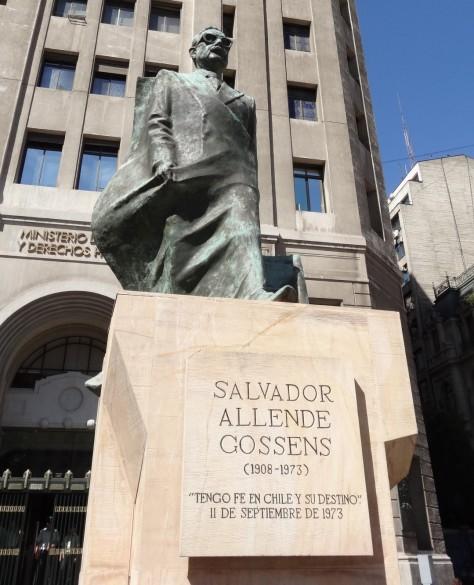 Allendestatue