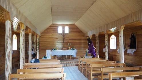Holzkirche auf Chiloe von innen