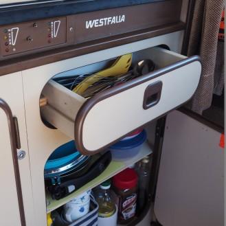 Geschirrschrank mit Besteckschublade