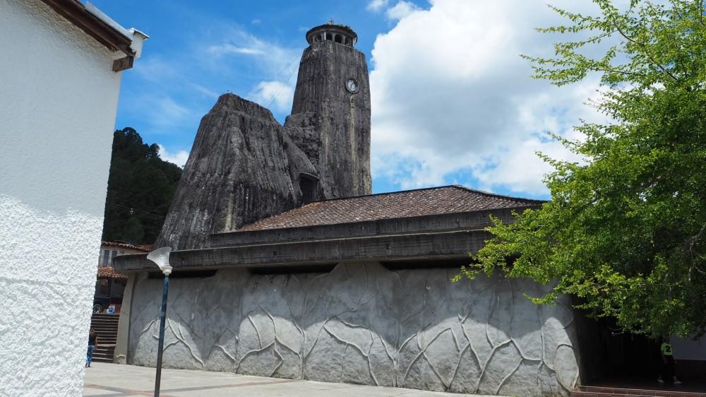 Kirche aus Stein gebaut
