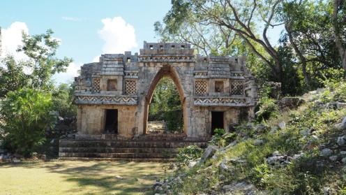 Tor zu den Ruinas Labná