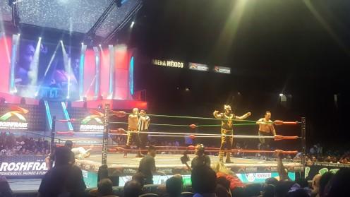 Luchadore im Ring