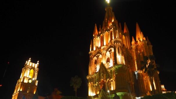San Miguel de Allende bei Nacht