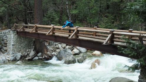 Nicht von der Brücke springen